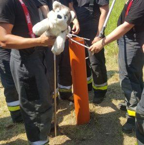 pomysł na ćwiczenia w straży, wyciąganie psa