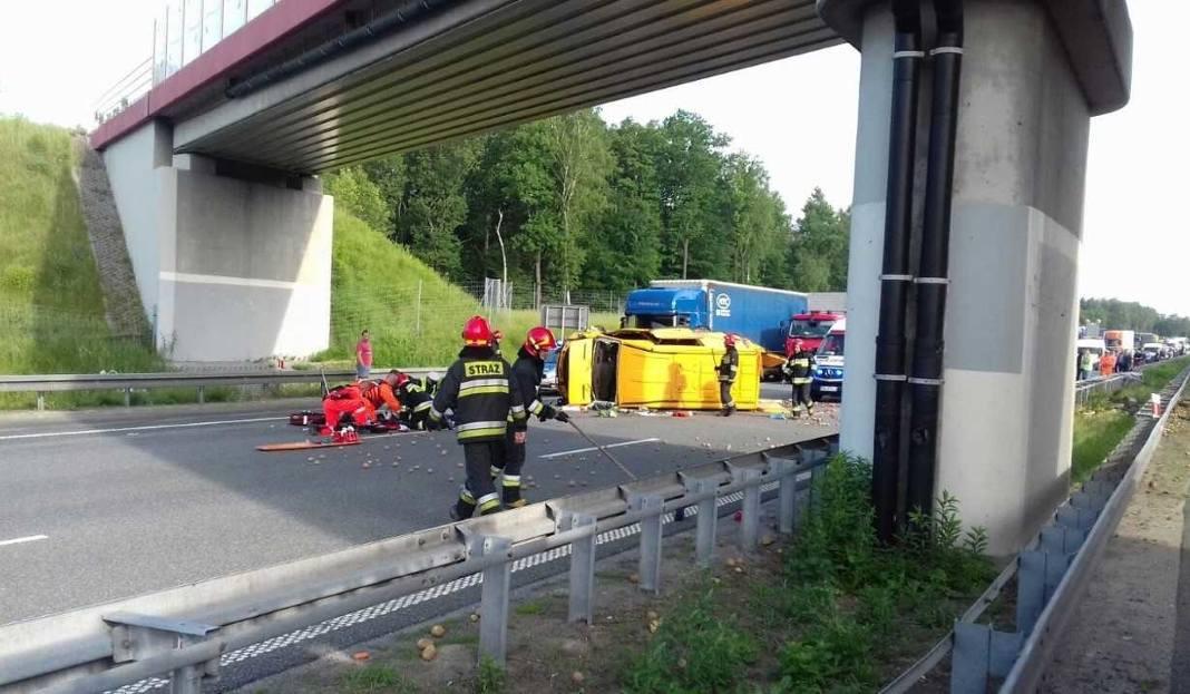 Wypadek na autostradzie A1 śmierć felieton