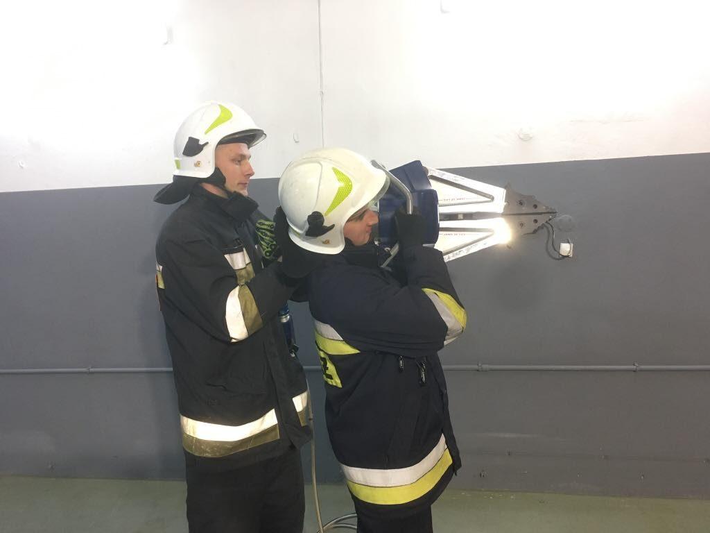 trzymanie narzędzi hydraulicznych
