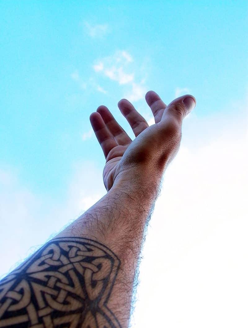 Czy tatuaże przekreślają szanse w naborze do PSP? A później w służbie?